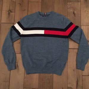 Tommy Hilfiger crewneck sweater size women's xs.